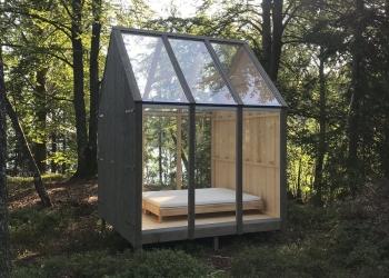 Sovrum med naturen som närmsta granne
